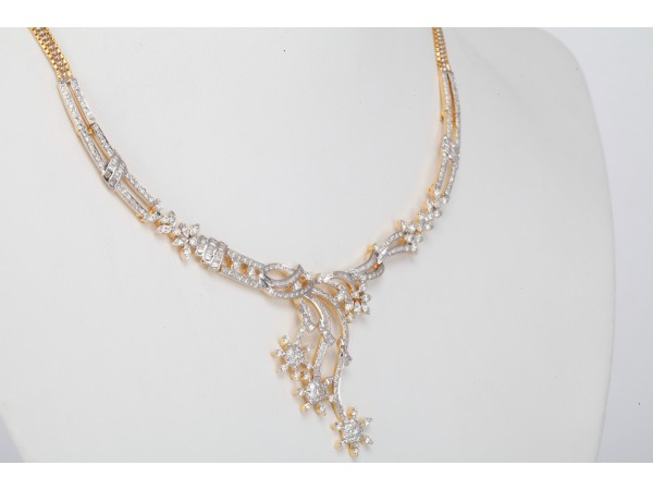 The Astine Diamond Necklace Set