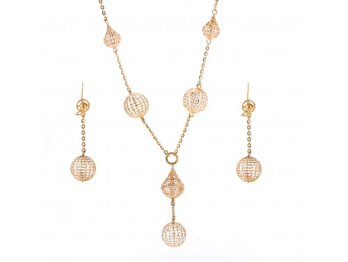 The Ainran Necklace Set