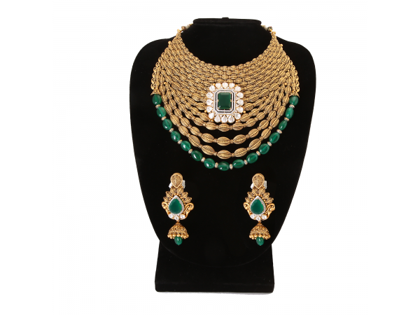 The Gold Pride Necklace Set